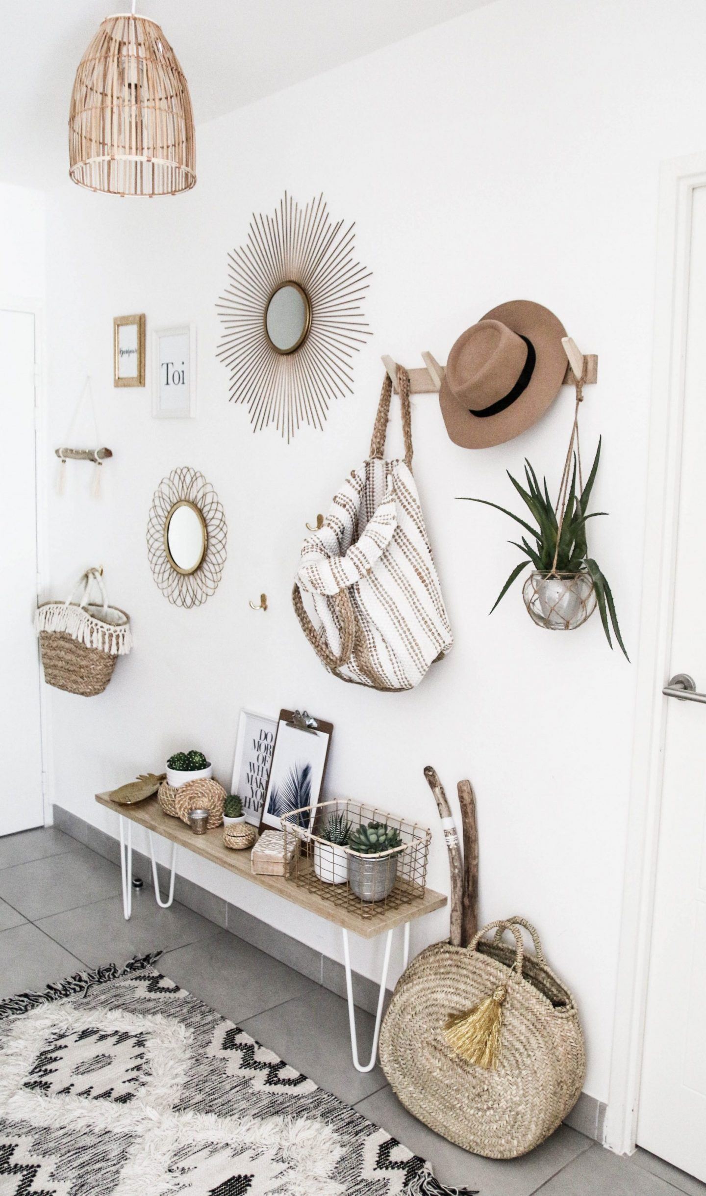Interior trends scandi boho style is the trendiest of 2017 - Idee deco couloir sombre ...