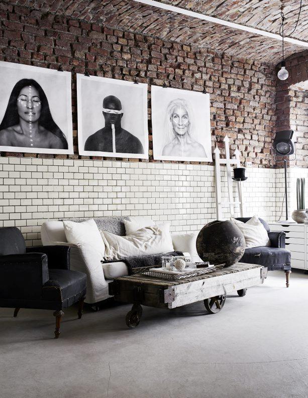 ecletic interior bricks, libing room