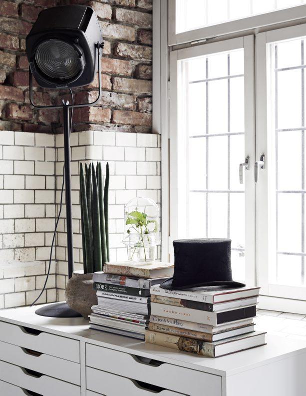 ecletic interior bricks