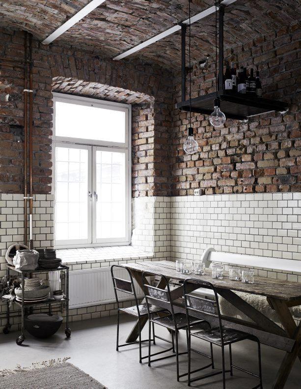ecletic interior bricks, living room with exposed bricks