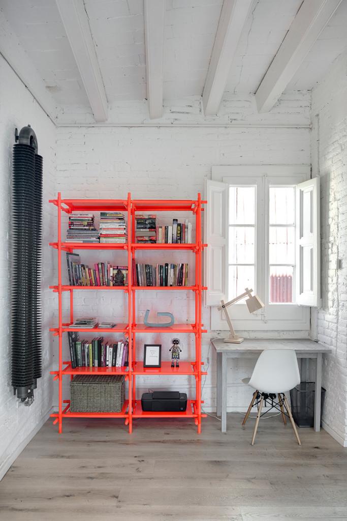 white brick barcelona loft - home office - fluo interior