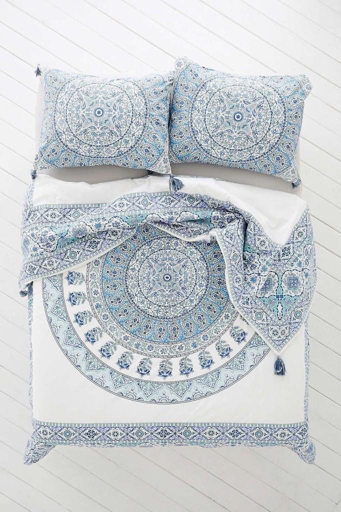 ethnic-style-bedroom-linens-monthlybestof-italianbark
