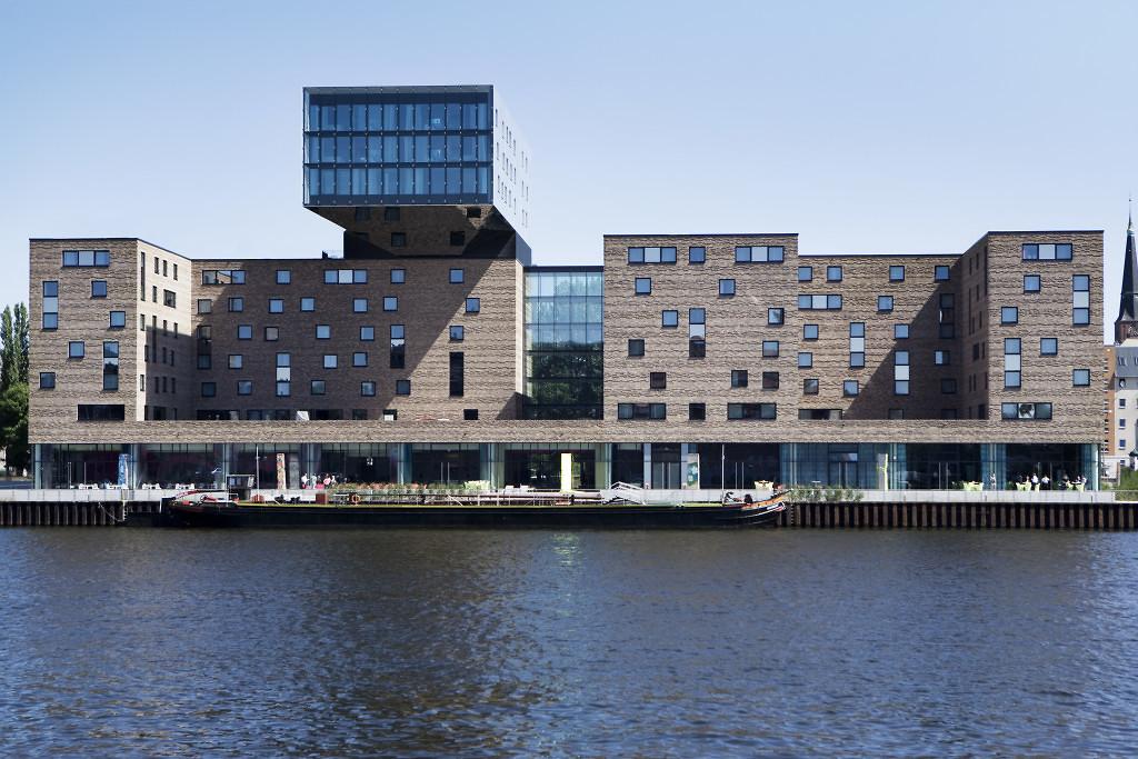 nhow-berlin-musichotel-architecture-italianbark