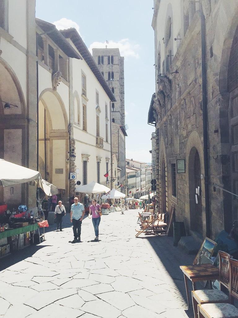 weekendintoscana-arezzo-fieraantiquaria-italianbark