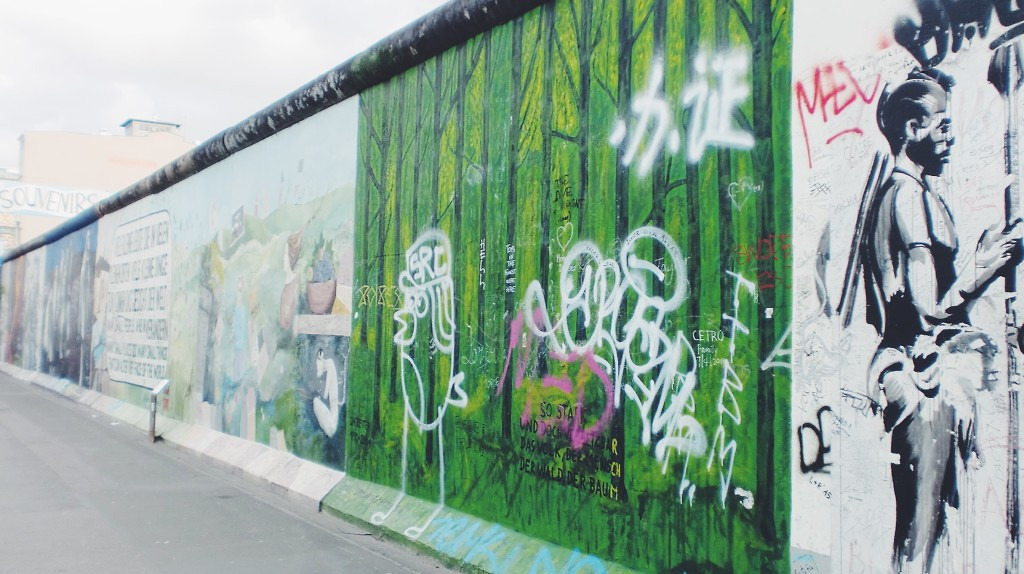 visit berlin- berlinwall- streetart- italianbark
