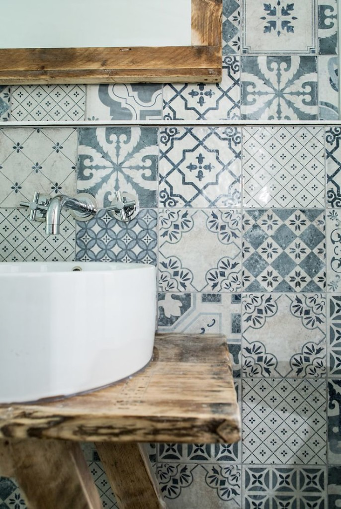 2015interiortrends-moorish-azulejos-italianbark