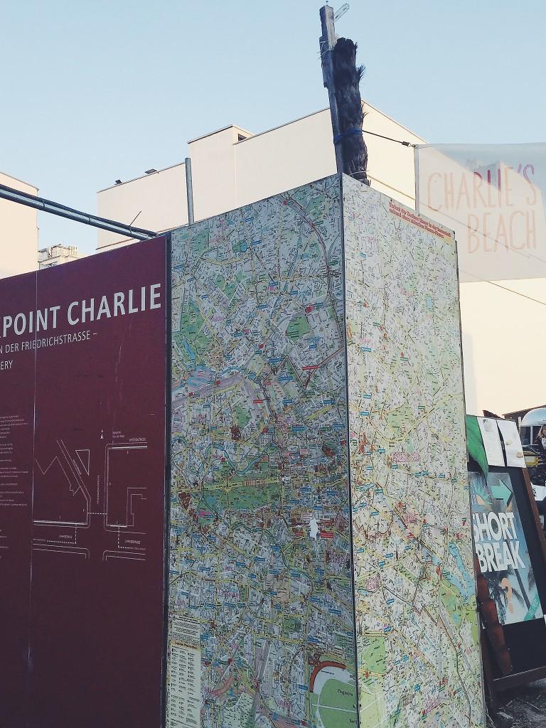 chackpointcharlie-visitberlin-charlie'sbeach