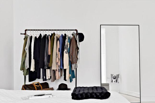 total-white-interior-bedroom2