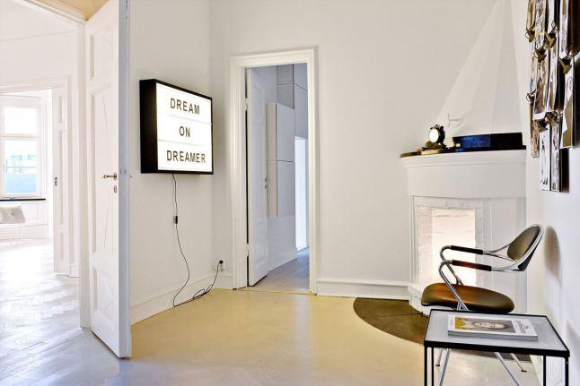 total-white-interior-entry