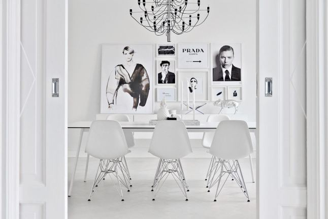 total-white-interior-living room