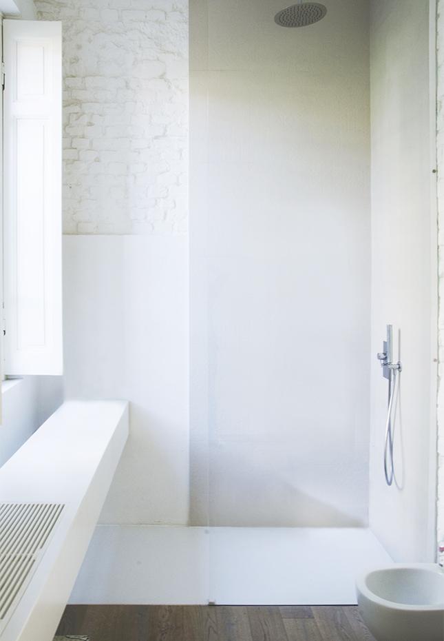 italian-style-interior-bathroom