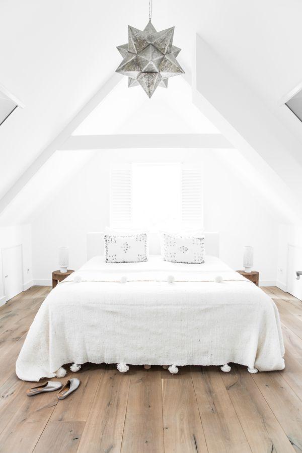 light-oak-flooring-scandinavian-bedroom