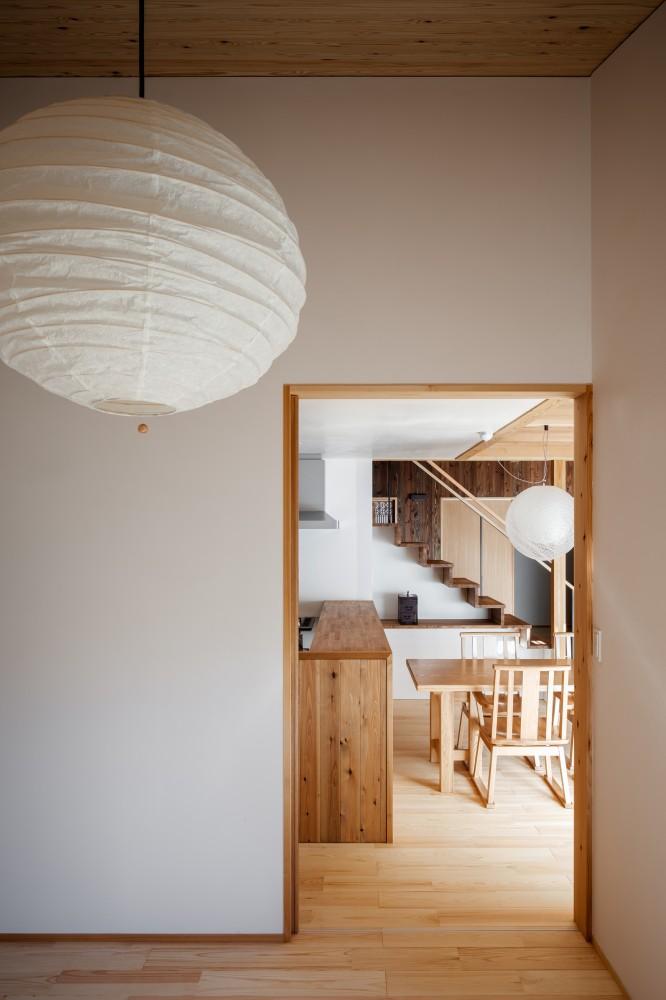oversize-interior-trend-lantern