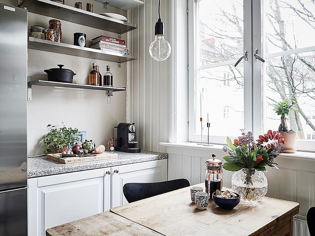 studio-apartment-space-saving-idea-kitchen2