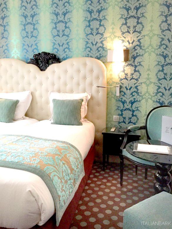 design hotel in Paris, le petit paris, boutique hotel Paris, hotel room, turquoise wallpaper