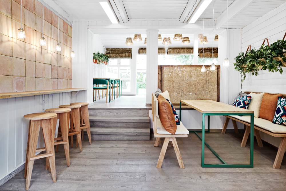 restaurant design in oslo, restaurant design sweden, cool restaurant design , masquespacio, white green design, spanigh restaurant design, green table,