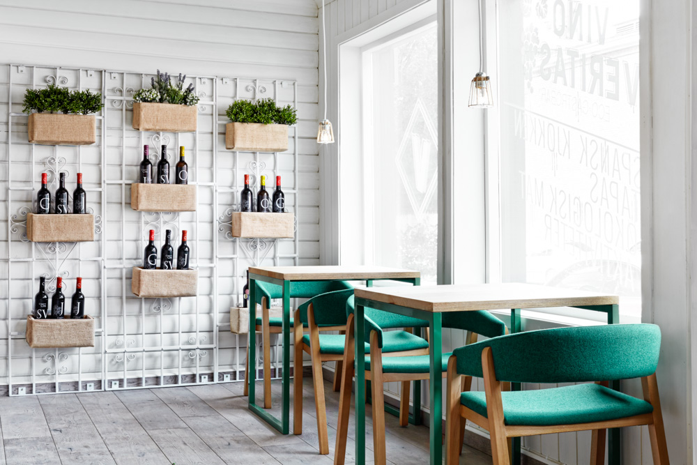 restaurant design in oslo, restaurant design sweden, cool restaurant design , masquespacio, white green design, spanigh restaurant design, ikat decor, green chairs, green chairs restaurant
