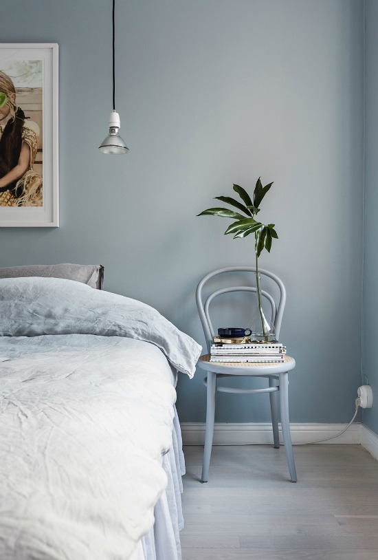 spring home decor, italianbark interior design blog, pantone 2016 interiors, serenity blue, serenity wallpaint, light blue bedroom