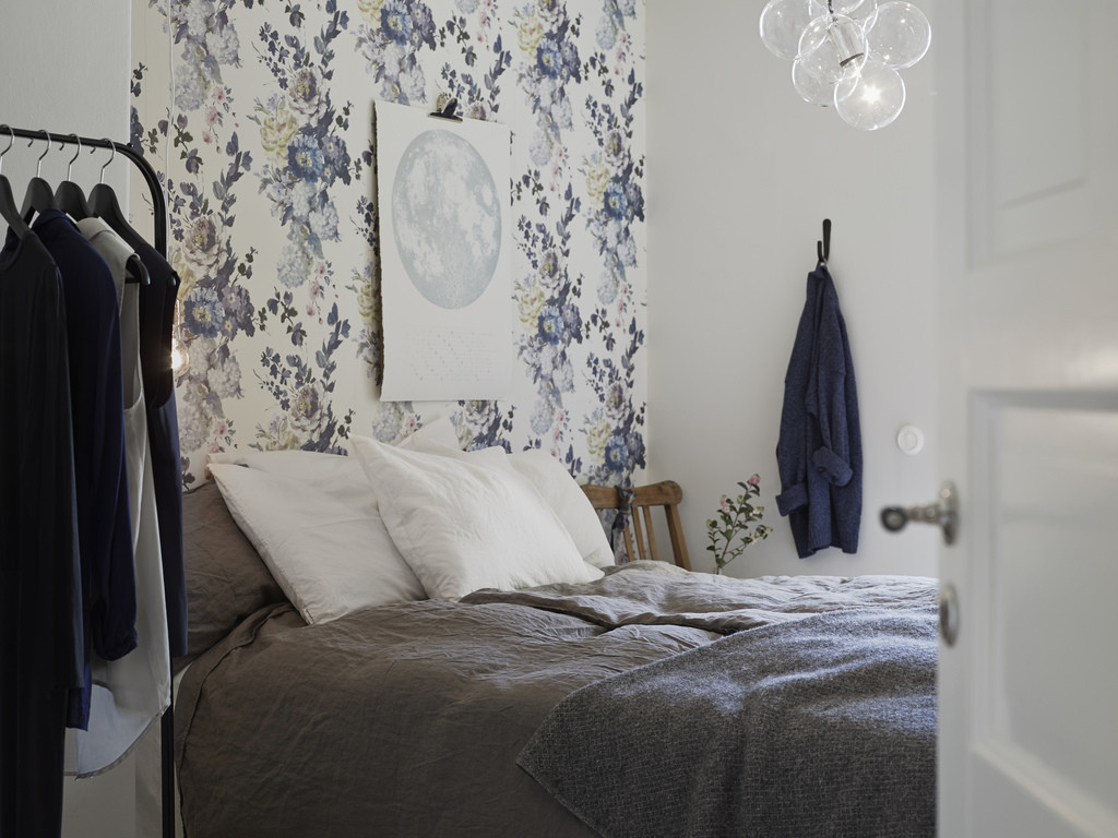 floral wallpaper trend