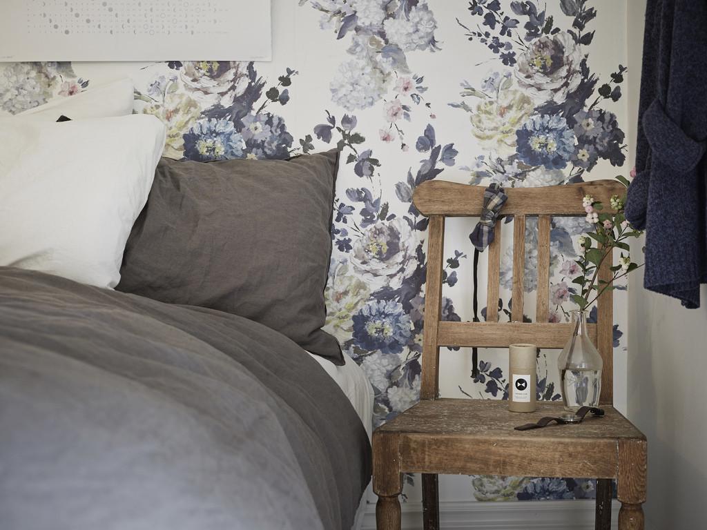 floral wallpaper trend 2