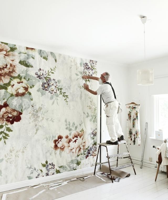 floral-wallpaper-trend