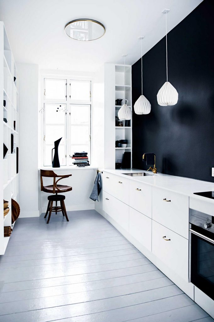 kitchen restyling black white (5)