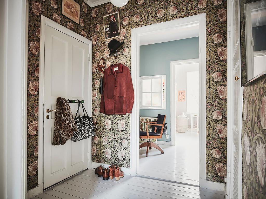 scandi-home-tour-wallpaper
