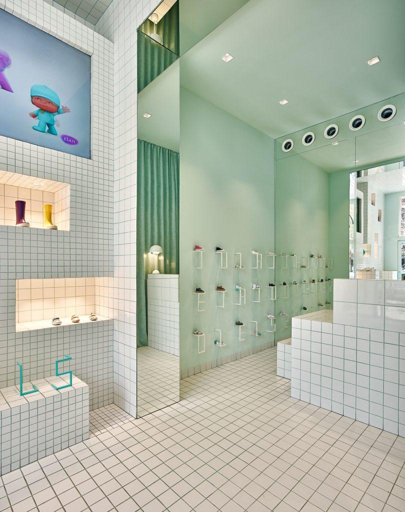 store-design-idea-total-white-little-shoes-barcelona-5