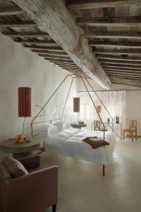 tuscan interiors, tuscan interiors style, italian interiors, italian home decor, italian style, interni toscana, italianbark interior design blog, rustic bedroom