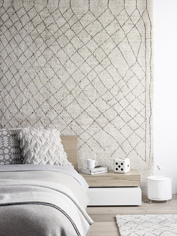 high-impact-tings-to-hang-over-bed-headboard-beni-ourain-rug