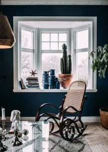 Coloured walls at home, wall painting ideas - ITALIANBARK, interior design blog, , dark blue interior, dark blue wall,