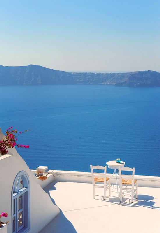 grecian-paradise-firostefani-santorini-greece-allard-schager