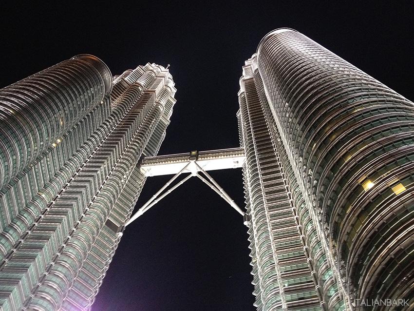 TOUR-MALESIA-SINGAPORE-italianbark-petronas
