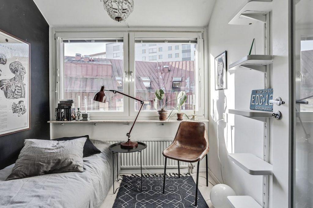 decorating with black, black home decor, hoem tour scandinavian, beautiful interior design, interior design blog italianbark, bedroom black wall