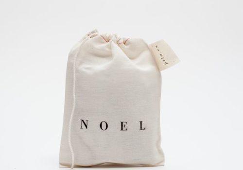 minimalist christmas gift, minimalist gifts, minimal christmas decor