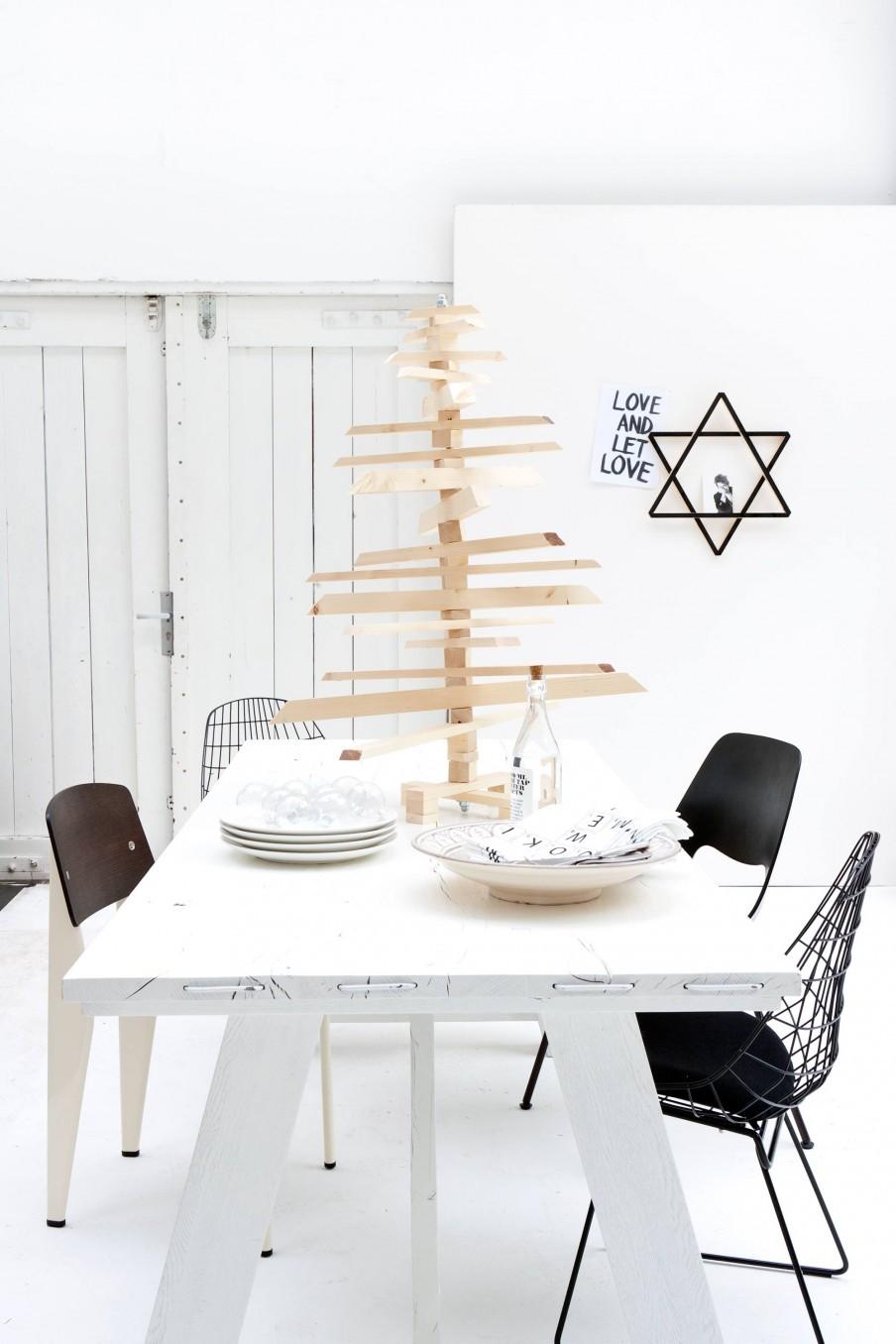duurzame-kerstboom-zelfmaken-van-steigerhout-houten-kerstboom