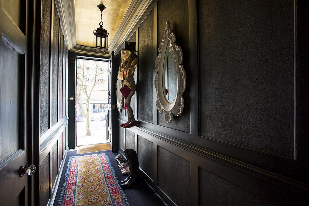 design hotel london, 40 winks, best boutique hotel, italianbark interior design blog, eclectic style interior, david carter, black walls decor