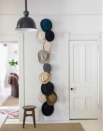 straw hats decor, boho chic interior style, italianbark interior design blog, straw hats entry
