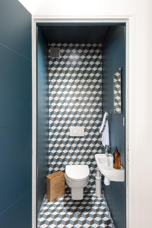 Interior trends small bathroom trends 2017 for Bathroom trends 2017 houzz