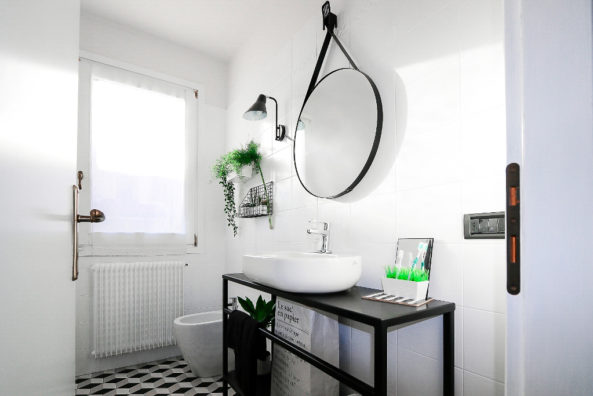 My bathroom before after complete makeover of small bathroom - Porta smalti ikea ...