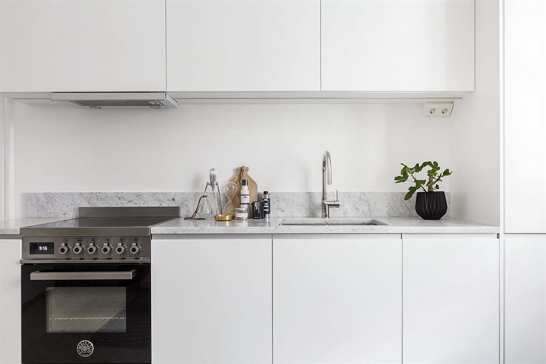 Paraschizzi cucina altezza stunning cucina la trasformo e - Pannelli per cucine al posto delle piastrelle ...
