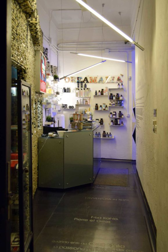 An unconventional salon interior design in bologna italy - Interior design bologna ...