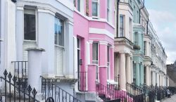 TRAVEL TIPS | Instagram itinerary to Notting Hill colourful houses