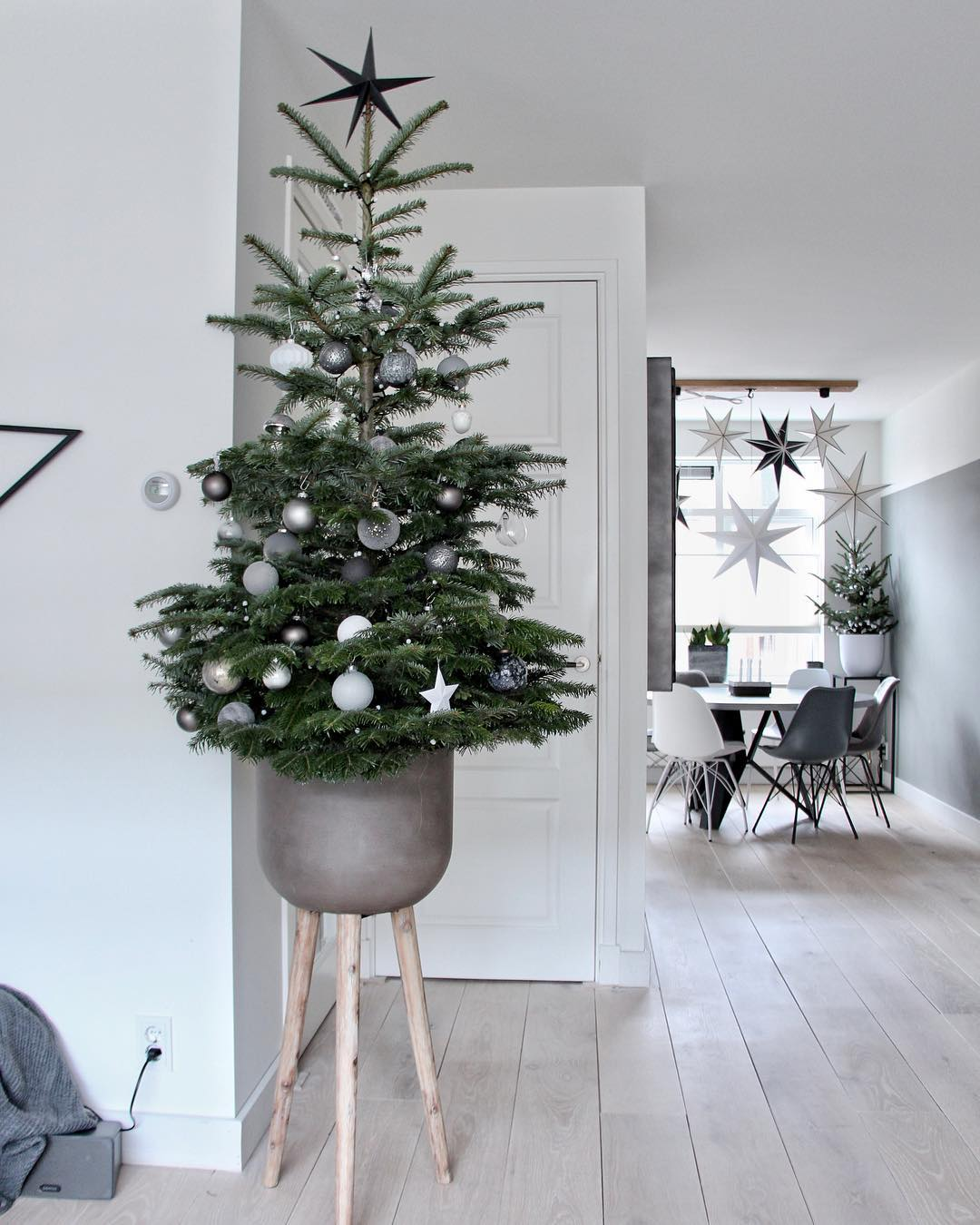 Top Scandinavian style Christmas Decor Inspo from instagram