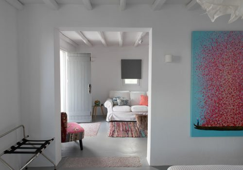 HOME TOUR | Cycladic Minimalism at its best in Mykonos