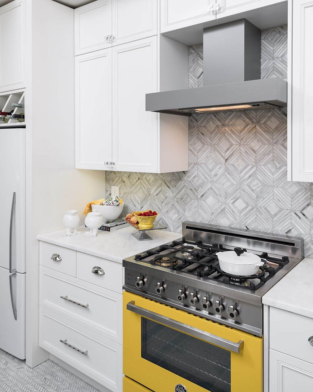 kitchen trends, colorful kitchen design, Bertazzoni Italian kitchen design, yellow freestanding cooker