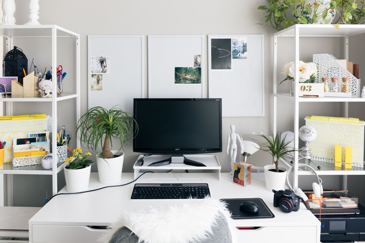 ... Or A Sense Of Being Overwhelmed Which Are Also Counter Productive  Feelings. After All, An Office Space Must Be Pleasant While It Helps One  Stay Focused.