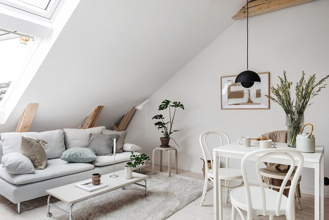 Interior Tips How To Decorate A Small Living Space