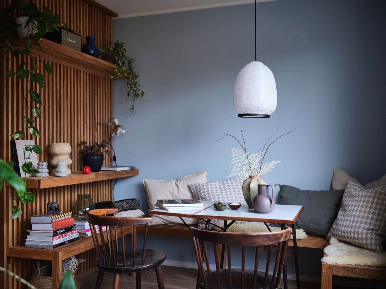 How do you maximize space in a studio apartment, blue home decor paint