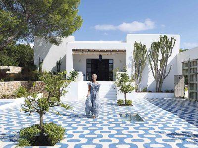 INTERIOR TIPS | 5 creative ways to decorate with Maya Blue